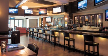 commercial-tv-installation-bar